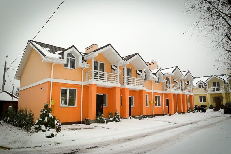 18_смт.Горенка, ул.Радгоспная. Коттеджный городок