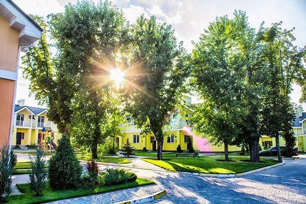 8_смт.Горенка, ул.Радгоспная. Коттеджный городок